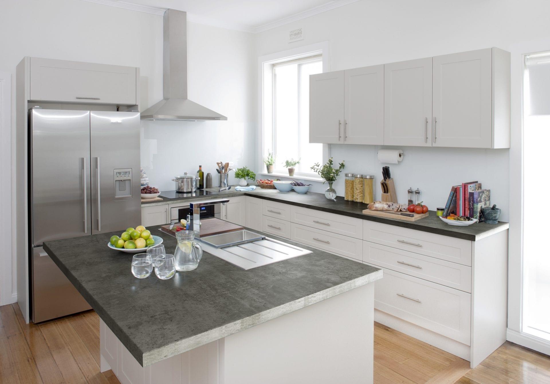 An elegant and luxurious Topform Urban Stone laminate kitchen worktop